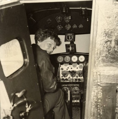 Pioneering-female-pilot-Amelia-Earhart-in1936-389x390